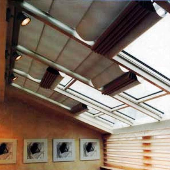 Foto tende da sole e coperture installate da abc tende di for Tende lucernari